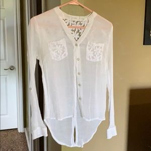Flower laced, long sleeve button down!
